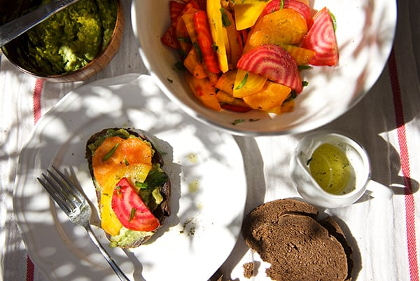 Beet-Salad_avocado-spread_pumpernickel-crostini_table-ready