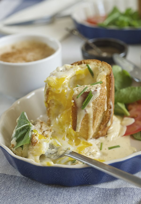 "Baked eggs in Baguette + Smoked Gouda Sauce - a.k.a ""Bageggs"" ~ Yes, more please! the ultimate breakfast!"