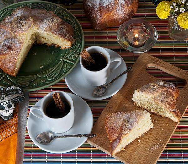 Pan-de-muerto_with-coffe-od-hot-cocoa