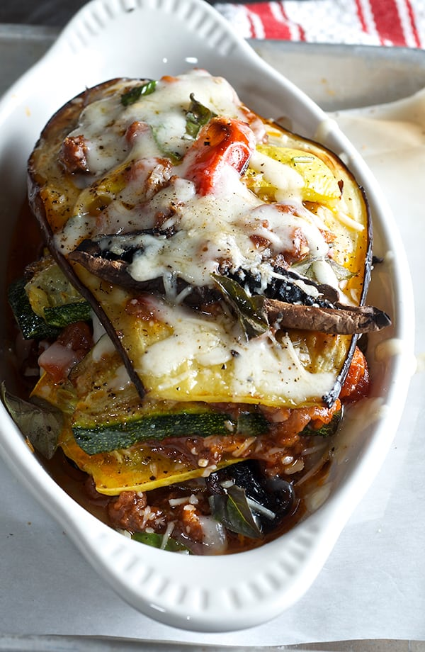 Roasted-Vegetable-&-Spicy-Bolognese-Napoleon_gratin