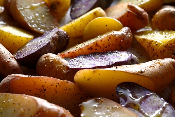 Roasted-fingerlings-potatoes-with-garlic-herbs-&almonds_ready-to-roast