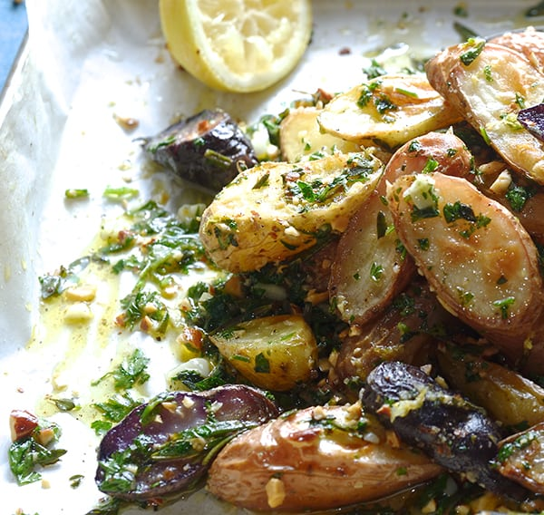 Roasted-fingerlings-potatoes-with-garlic,-herbs-and-almonds_you-know-you-want-to-make-it...