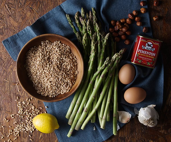 Warm-Farro-Asparagus-and-Poached-egg-ingredients