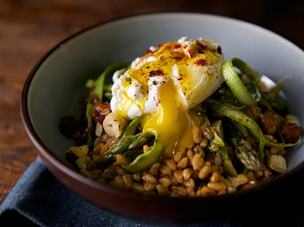 Warm-Farro-asparragus-and-poached-egg--~Yes,-more-please!