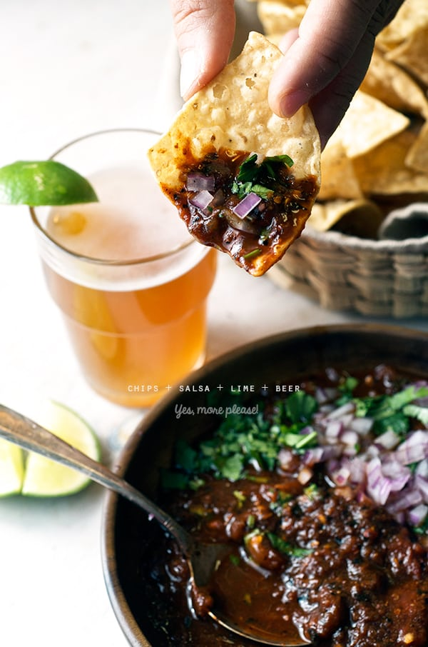 Salsa-Roja-Asada_Yes,-more-please!_chips+salsa+lime+beer