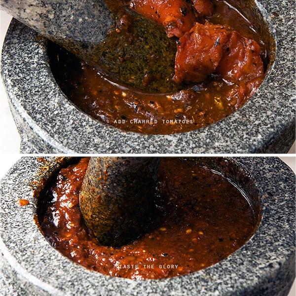 Salsa-Roja-Asada_grinding-the-tomatoes