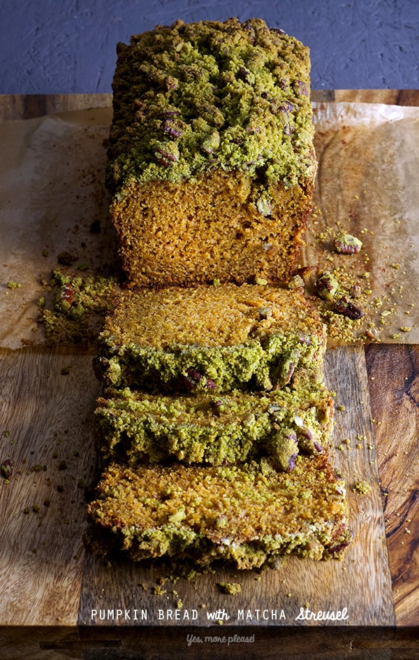 PUMPKIN-BREAD-with-MATCHA-Streusel-sliced_green-tea-Yes,-more-please!