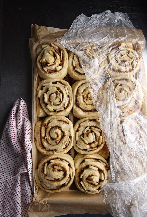 Apple-Cinnamon-Rolls_REady-to-Bake!