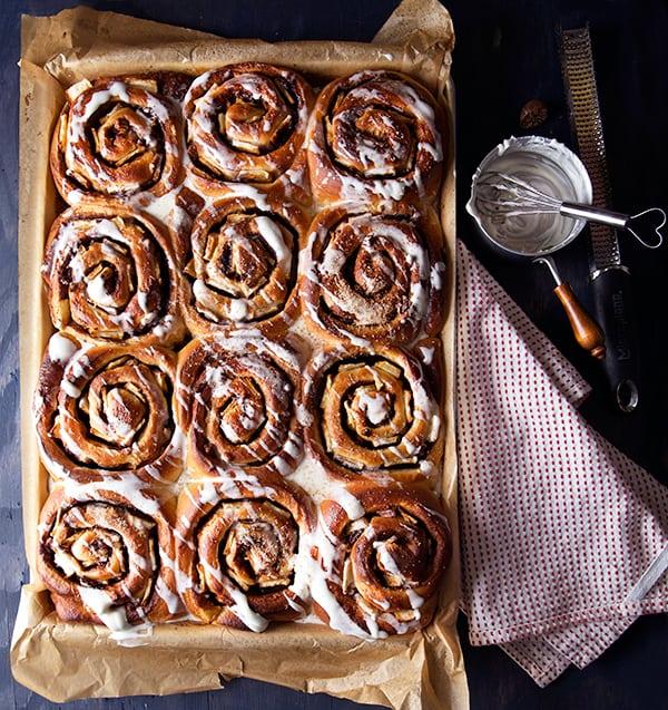 Maximus-Apple-Cinnamon-Rolls_drizzled-nutmeg-glaze_Yes,-more-please!
