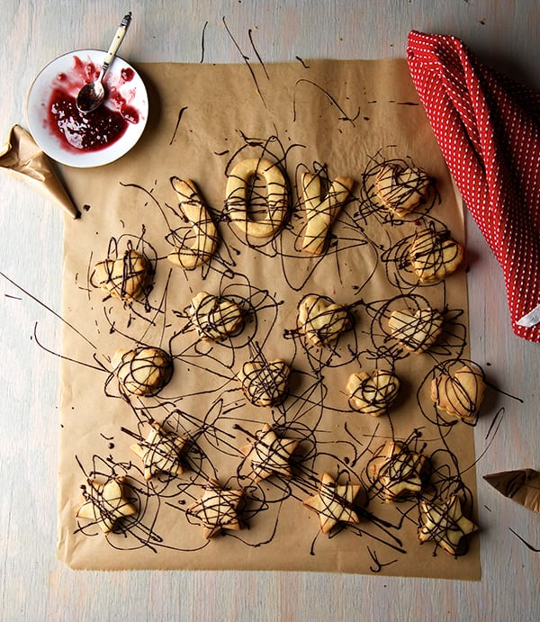 Scribbles-Cookies-Mexican-Garabatos_drizzle-chocolate