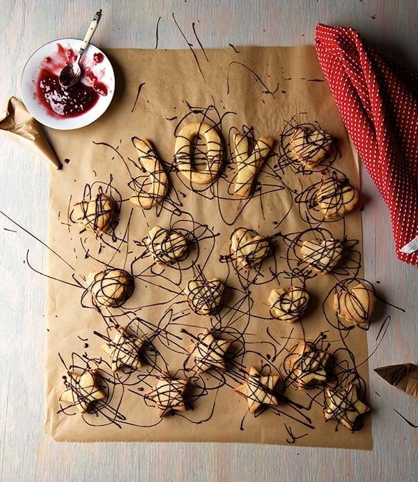 Scribbles-Cookies-Mexican-Garabatos_drizzle-chocolate