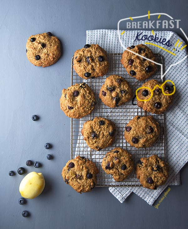 Oatmeal-Bluberry-Lemon-Breakfast-Cookies-_Yes,-more-please!