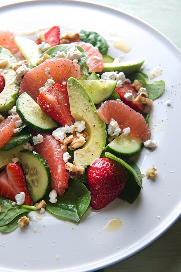 Spinach-Ambrosia-Salad-with-Honey-Dijon-Grapefruit-Vinaigrette_Yes,-more-please!_healthy-salad