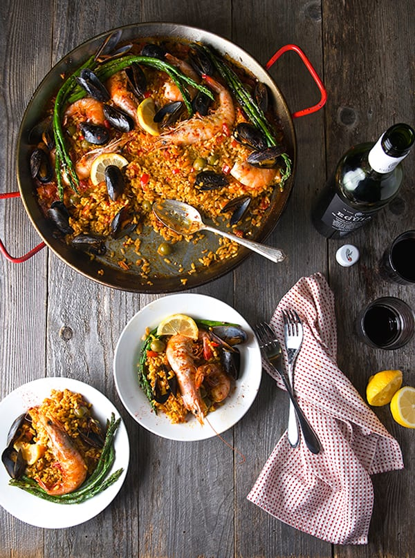 Grilled-Sea-food-Paella-Valenciana_ready-to-serve_Yes,-more-please!