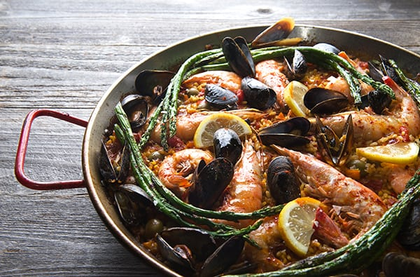 Grilled-Sea-food-Paella-Valenciana_summer-grilling_Yes,-more-please!