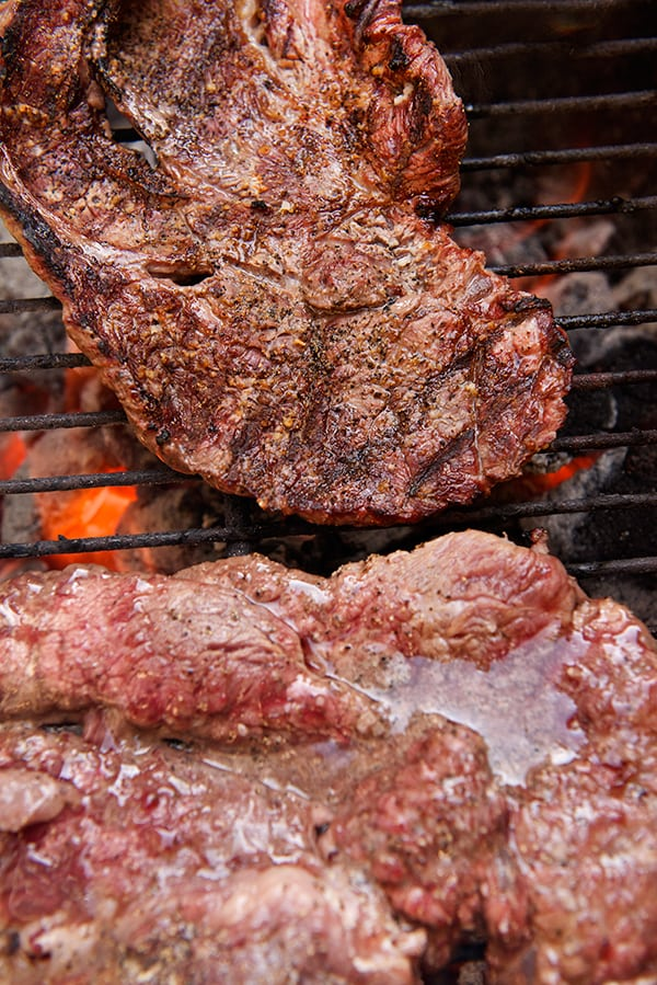 Carne-asada-Chuck-steak_on-the-grill_Yes,-more-please!