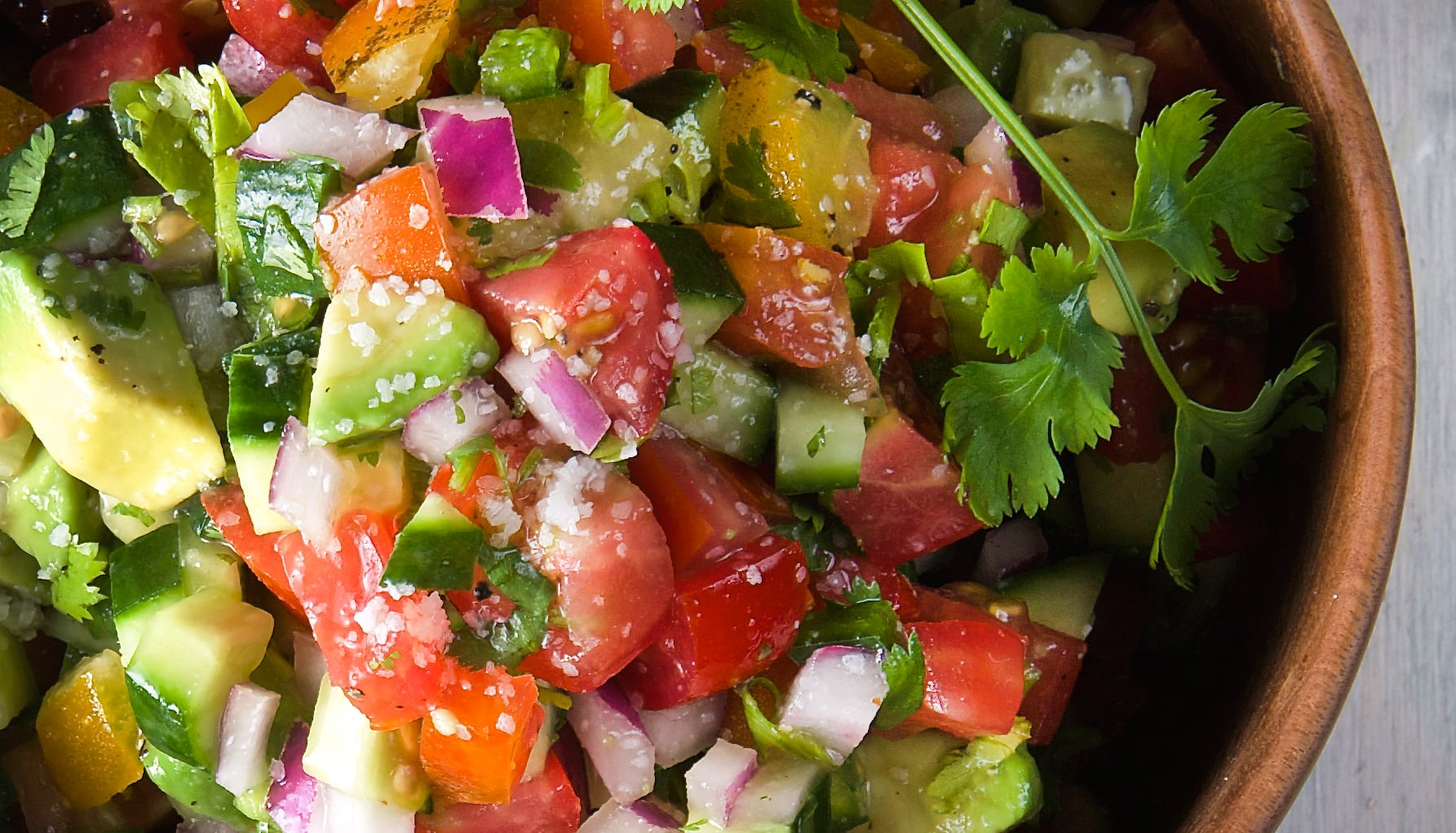Cucumber-avocado-Pico-de-Gallo-and-Salsa-tips-chips