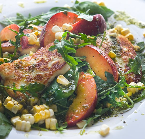 Peach-Sweet-Corn-and-Halloumi-Salad-with-Lemon-Basil-Vinaigrette_summer-on-a-plate_Yes,-more-please!