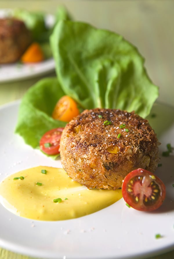 Sweet-Corn-Crab-Cakes-with-Saffron-Aioli_Summer-time-Ole-Yes,-more-please!