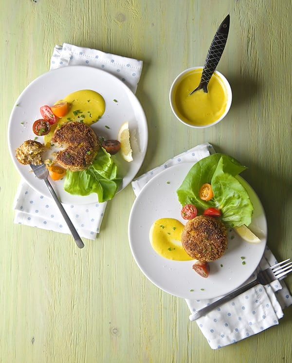 Sweet-Corn-Crab-Cakes-with-Saffron-Aioli_Summer-time-crab-cakes-Yes,-more-please!