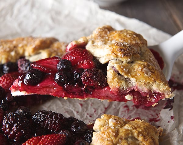 Very-Berry-Crostata_slice-of-berry-crostata_Yes,-more-please!