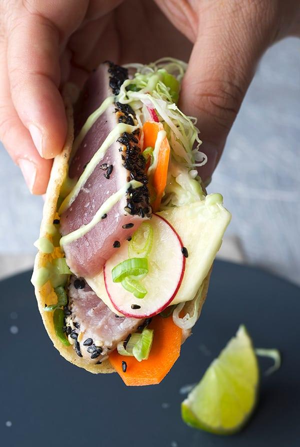 Black-Sesame-Seared-Ahi-Tuna-Tacos_Foodie-Taco