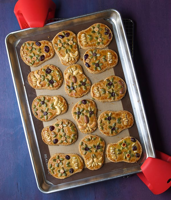 Day-of-the-Death_Amaranth-cookies-Out-of-the-oven-jpg