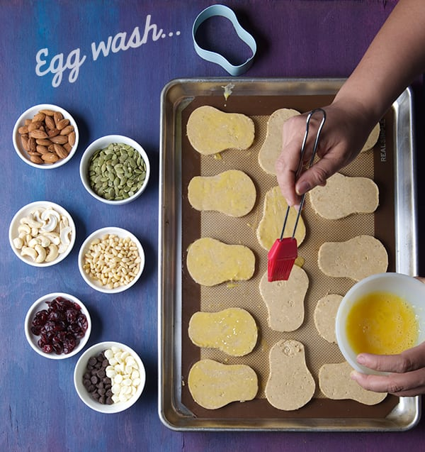 Day-of-the-Death_Amaranth-cookies-egg-wash-cookies-before-placing-the-seeds