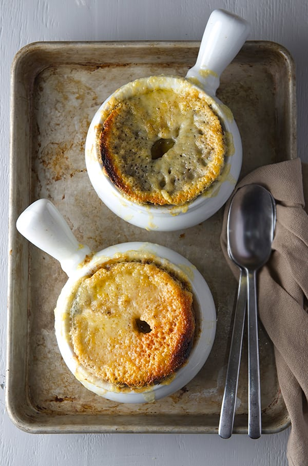 French-Onion-Bagel-Soup_Soup-for-2-or-4