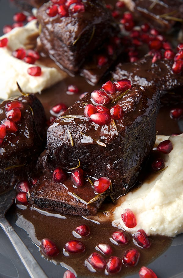Pomegranate-Tempranillo-Braised-Short-Ribs_ready-to-serve-Yes,-more-please!